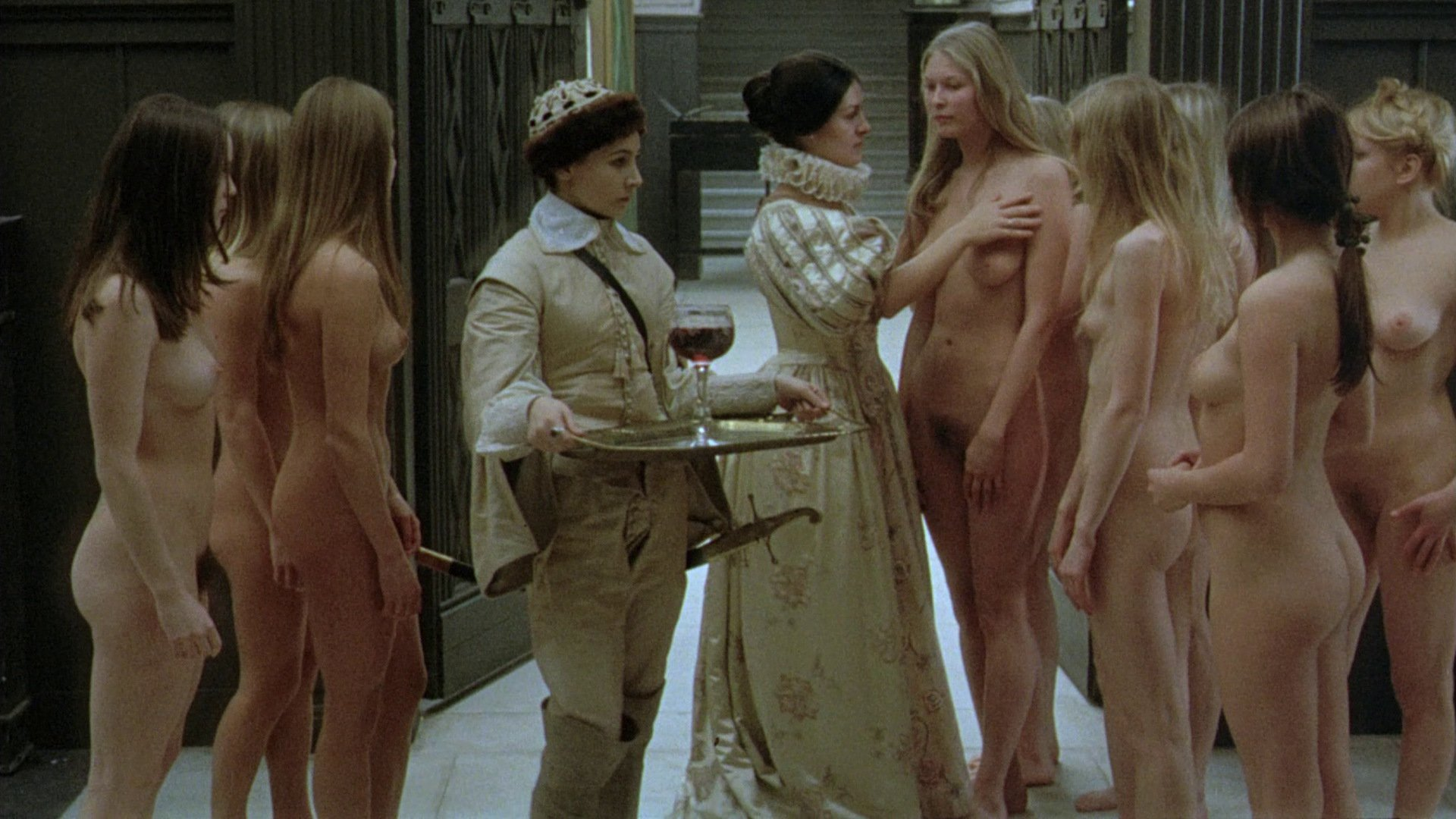 smotret-hud-film-golie