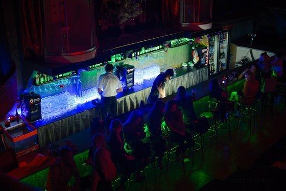 Клуб красная шапочка в москве цены ночной клуб как себя вести
